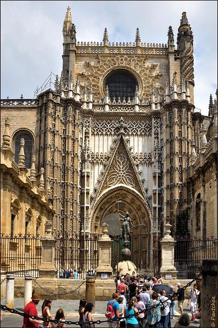 Sevilla : Catedral de Santa María de la Sede : Puerta de San Cristobal (Principe).  -  EXPLORE