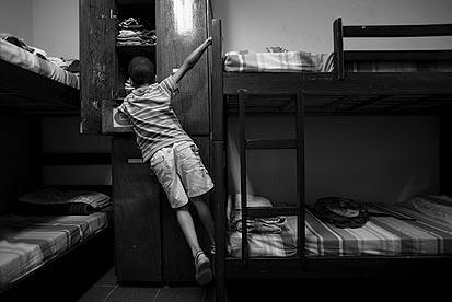 Auxílio-reclusão ajuda no  sustento de famílias de 40,5 mil presos segurados do INSS