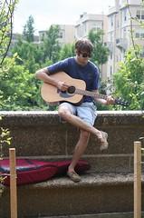 01a.Guitarist.MeridianHill.WDC.26June2011