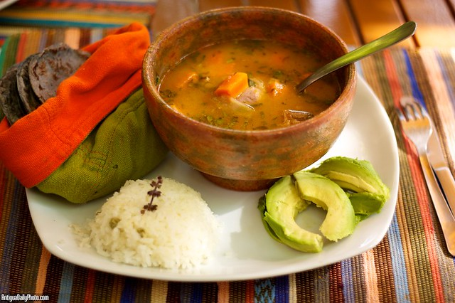 Guatemalan cuisine caldo de gallina criolla flickr for Antiguan cuisine