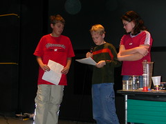 2004_RDellinger_Telepresence-students presenting