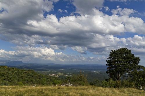 day cloudy slovenia slovenija primorska kras anawesomeshot trstelj
