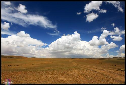 road desert mongolia gobi govi omnogobi umnugovi