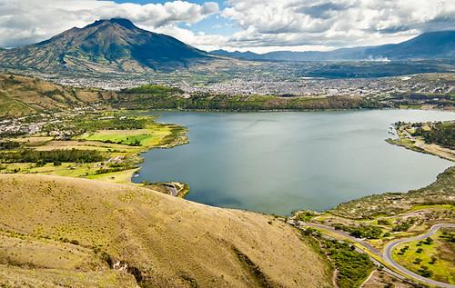 lake southamerica water canon landscape lago ecuador paisaje laguna xs sudamerica imbabura yahuarcocha aloburo