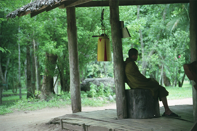 monk-pered-kolokolom