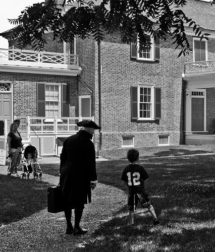 """""""James Madison"""" talks to a little boy visiting Montpelier"""