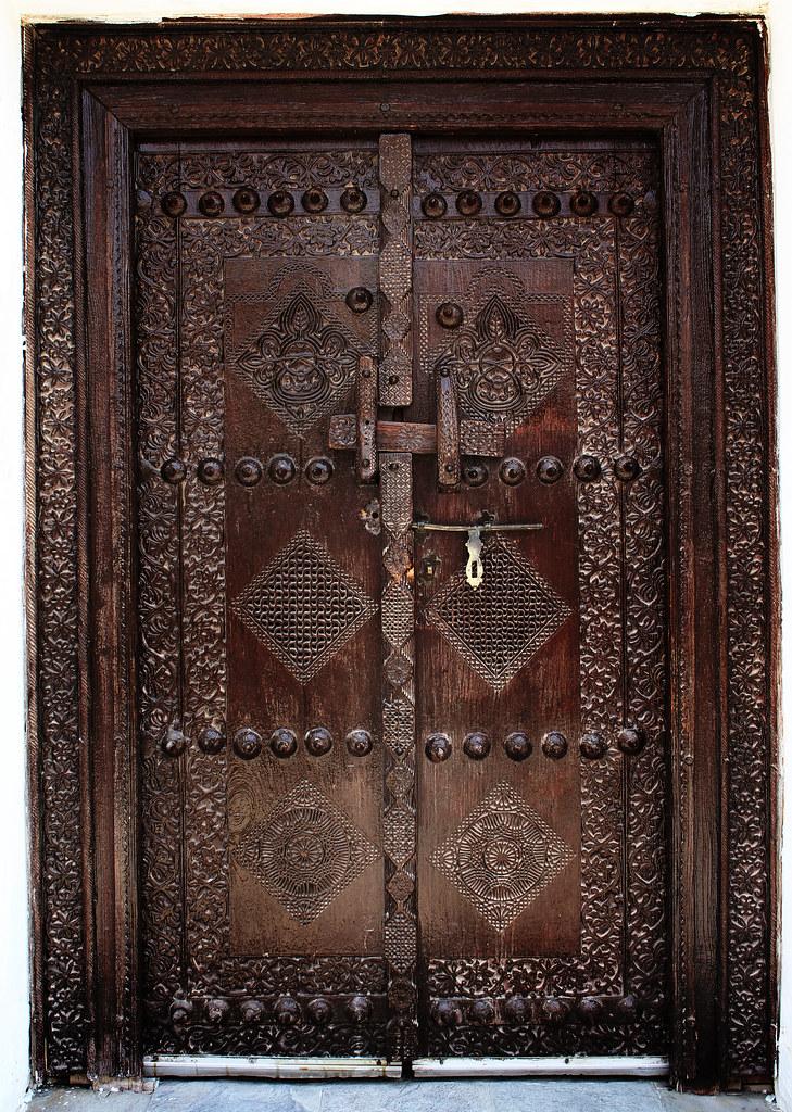 Traditional Door In Muharraq Bahrain. & Traditional Doors u0026 4968 pezcame.com