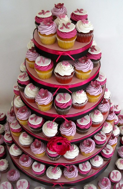 5940922685 883474a980 z jpgQuinceanera Cakes With Cupcakes