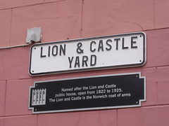Photo of Lion & Castle Yard and The Lion and Castle, Norwich black plaque