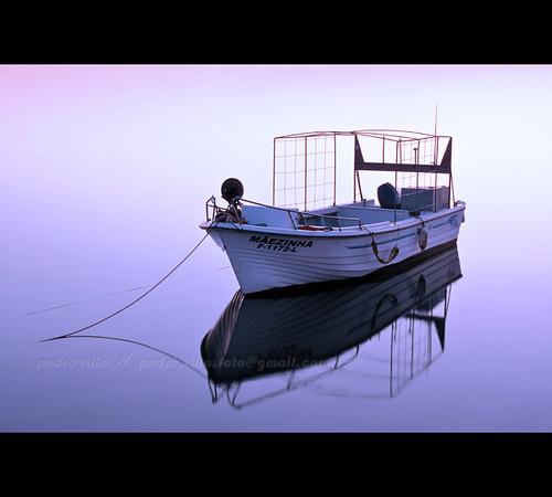 sunset sea reflection portugal water rio água marina river faro boat mar iso200 barco streetphotography rope utata algarve reflexo ria urbanphotography corda maezinha canonef24105mmf4lisusm canoneos40d pedrovfernandes