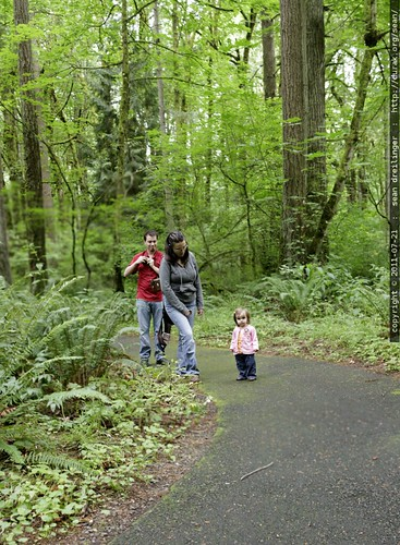 billy, desiree & audrey lou in tryon creek state park