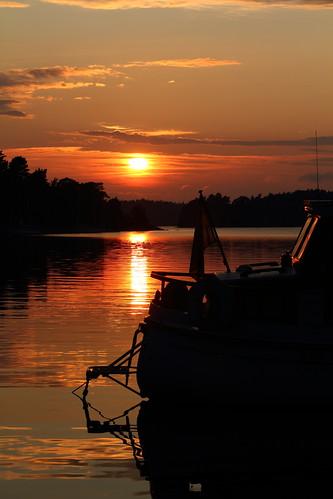pictures sunset summer water canon islands boat europa europe sweden stockholm dslr scandinavia suecia archipelago lenses 欧洲 スウェーデン wow1 wow2 wow3 wow4 2011 ヨーロッパ stockholmarchipelago nórdico escandinavia 瑞典 北欧 斯堪的纳维亚 mygearandme ノルディック adurianj magicalskiesmick