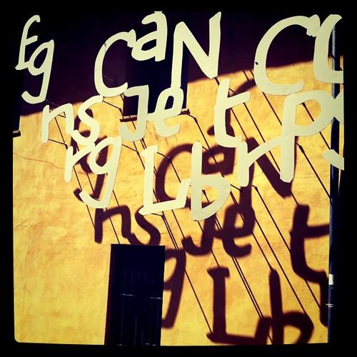 Can Comas. Pineda de Mar. Lletres a la façana. #pinedademar #maresme #cancomas #mariscal #lletres