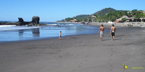 playa-tunco-el-salvador-starting-the-surf-lesson