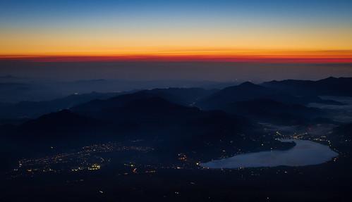 mountains japan night clouds sunrise cloudy hiking scenic peaceful zen mtfuji subashiritrail agustinrafaelreyes