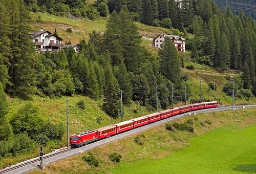 railroad switzerland railway trains svizzera albula bahn mau ferrovia treni rhb graubünden rhätischebahn schmalspurbahn nikond90 ge44 re1144