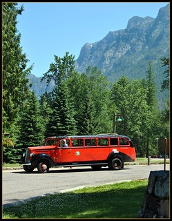 Red Jammer Bus @ Lake McDonald Lodge: Montana