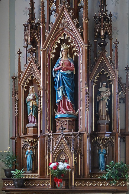 Autochromed altar of Mary, at Saint Peter Church, in Jefferson City, Missouri, USA