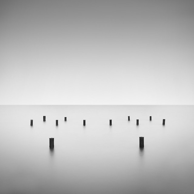 12 poles - Feel the Music in Photography