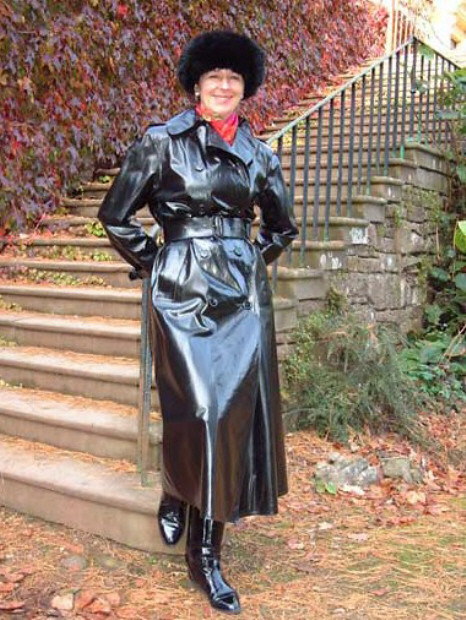 Latex Rainwear http://www.flickr.com/photos/63799672@N08/5927888790/
