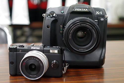 PENTAX K-1 & Q