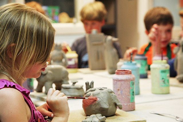 Kids making pottery at ah haa school explore for Clay mural making