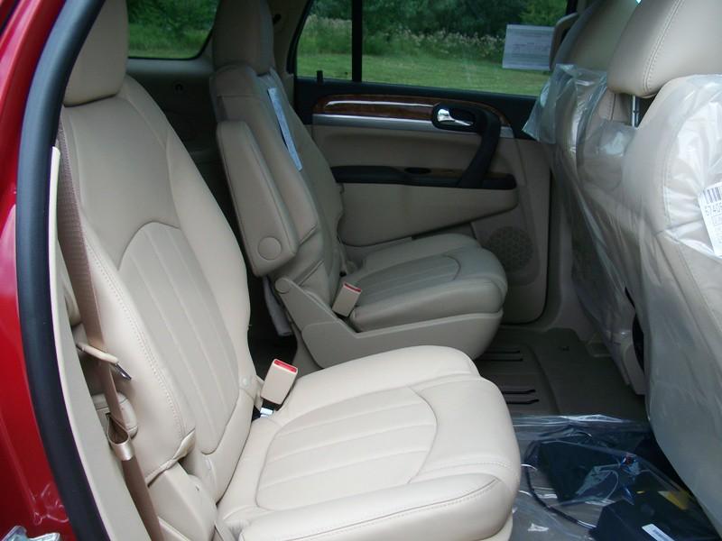 Gmc Acadia Vs Buick Enclave Vs Buick Enclave Gmc