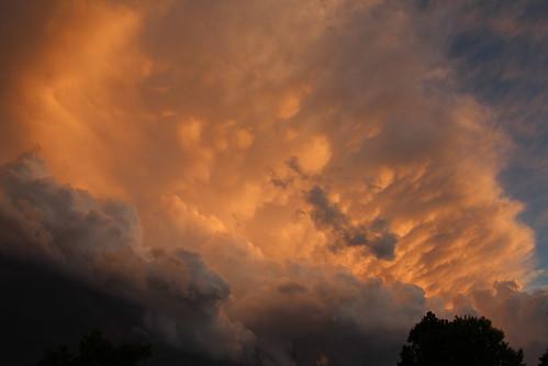 080811 - Nebraska Mammatus Sunset!