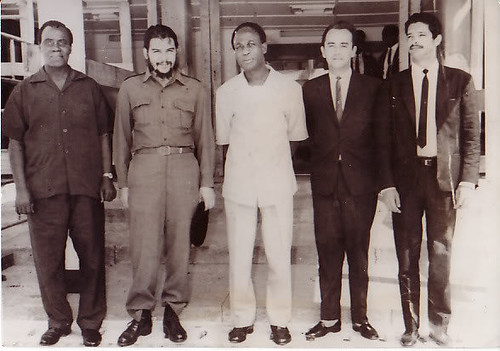 Kojo Botsio, Che Guevara, Kwame Nkrumah and two Cuban officials in Ghana during the Guevara visit in late 1964 and early 1965 when he toured several African states. Guevara would work to liberate Congo in 1965. by Pan-African News Wire File Photos
