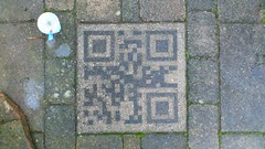 playing with reversed graffiti and QR codes