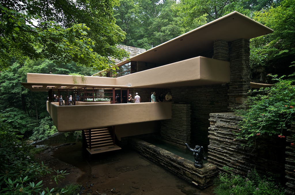 tour of frank lloyd wright 39 s fallingwater. Black Bedroom Furniture Sets. Home Design Ideas