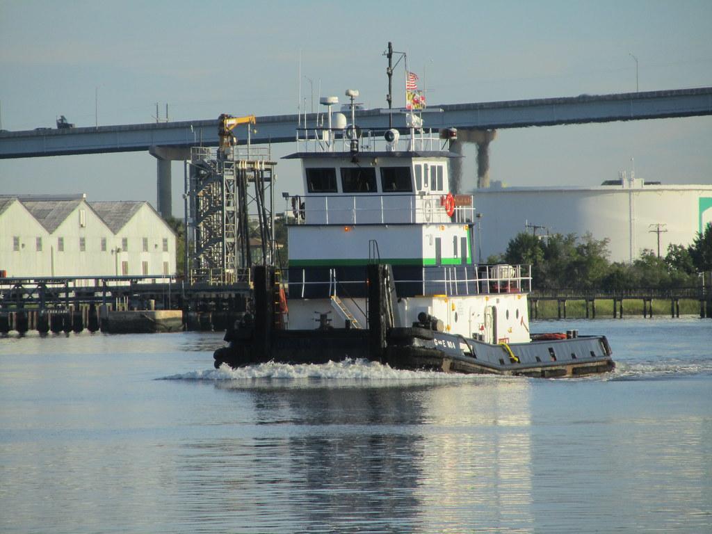 Towboat G & E No 4 9+7+2011 ZEJ   IMG_3240