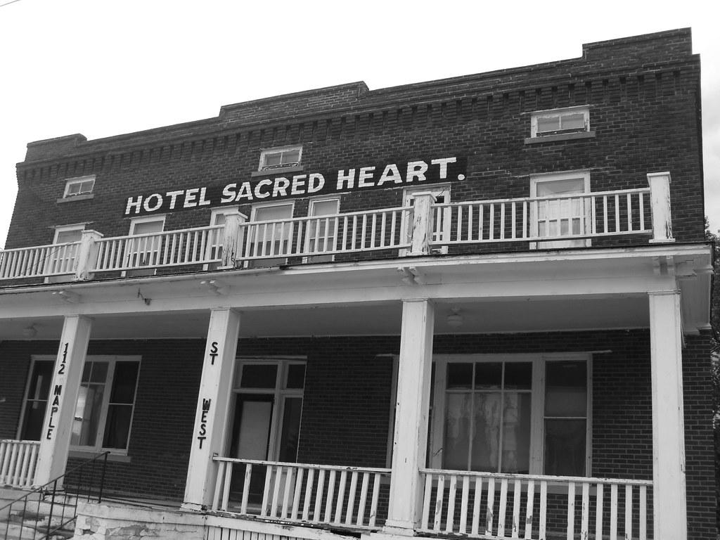 Hotel Sacred Heart - Sacred Heart, MN