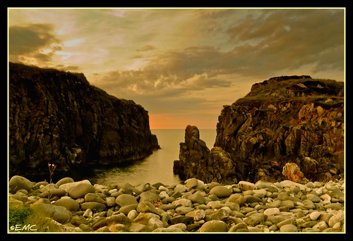 ocean ireland sunset sea seascape water clouds landscape nikon scenery rocks stones shoreline scenic places landmark cliffs coastal donegal irlande ulster inishowen bythesea culdaff coastalview coastalireland bunagee d3100 nikond3100