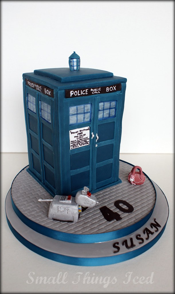 Super Dr Who Tardis Cake For A Lady Who Is A Big Dr Who And Radl Flickr Funny Birthday Cards Online Inifofree Goldxyz