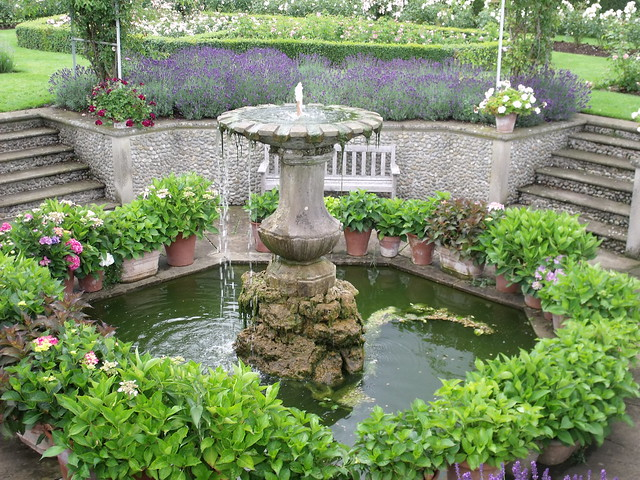 Houghton Hall - Walled Garden - Rose Garden - fountain