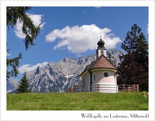 Kapelle Maria Königin mit Karwendel