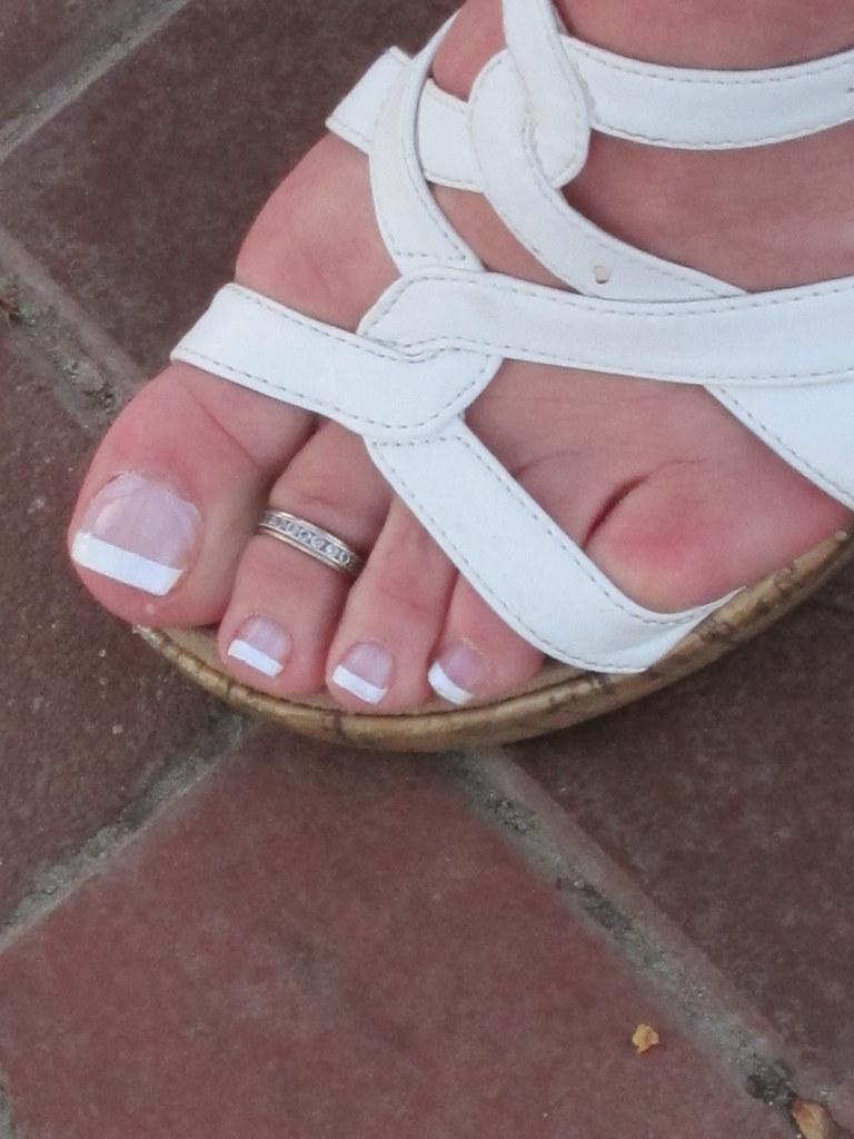 barefoot mature