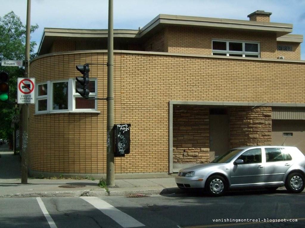 Vintage building Rouen/Letourneaux