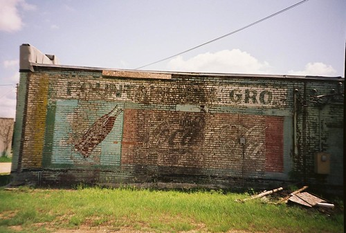 old summer building film architecture analog 35mm lomo lomography mural south july lomolca southern cocacola grocerystore 2011 fujireala100 roadtrip2011 fountainhillarkansas