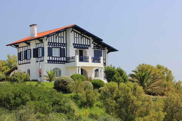 Maison basque bidart f 7 1 100 iso 100 52mm canon 55 flickr photo sharing for Photos maison basque