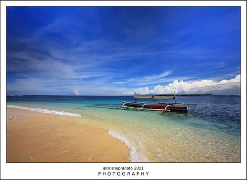 beach indonesia landscape boat bluesky northmaluku tobelo northhalmahera halut halmaherautara