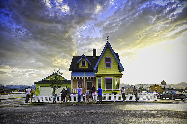 Disney pixar 39 up 39 house in real life sparklette magazine for Utah house