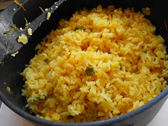 produce(0.0), rice and curry(0.0), khichdi(1.0), steamed rice(1.0), food grain(1.0), yeung chow fried rice(1.0), rice(1.0), spanish rice(1.0), biryani(1.0), food(1.0), pilaf(1.0), dish(1.0), fried rice(1.0), cuisine(1.0),