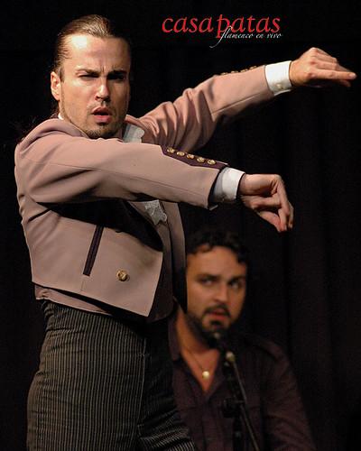El bailaor Adrián Santana. Foto: Martín Guerrero