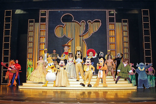 Meeting the Characters after the Golden Mickeys show