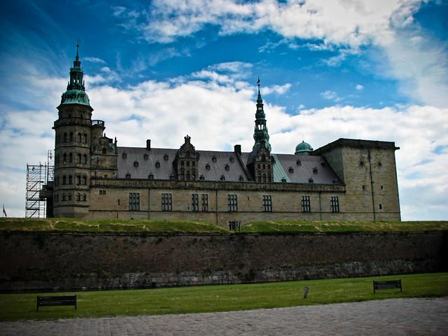 Хельсингёр - бастионы замка Кронборг (замок Гамлета)
