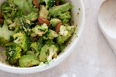raw broccoli & avocado salad_-3