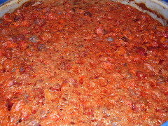 spaghetti(0.0), produce(0.0), tomato sauce(1.0), bolognese sauce(1.0), food(1.0), dish(1.0), cuisine(1.0), sambal(1.0),