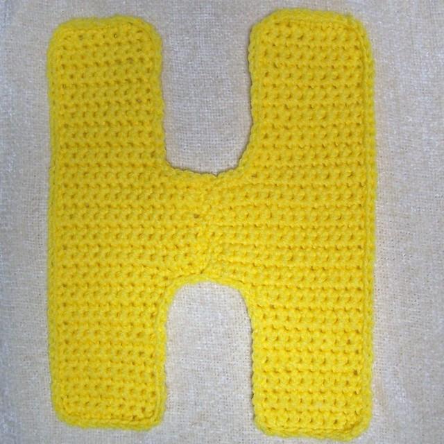 Traitoro best free crochet pattern free pattern crochet letters thecheapjerseys Images